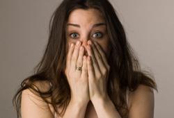 woman-petites-fuites-urinaires